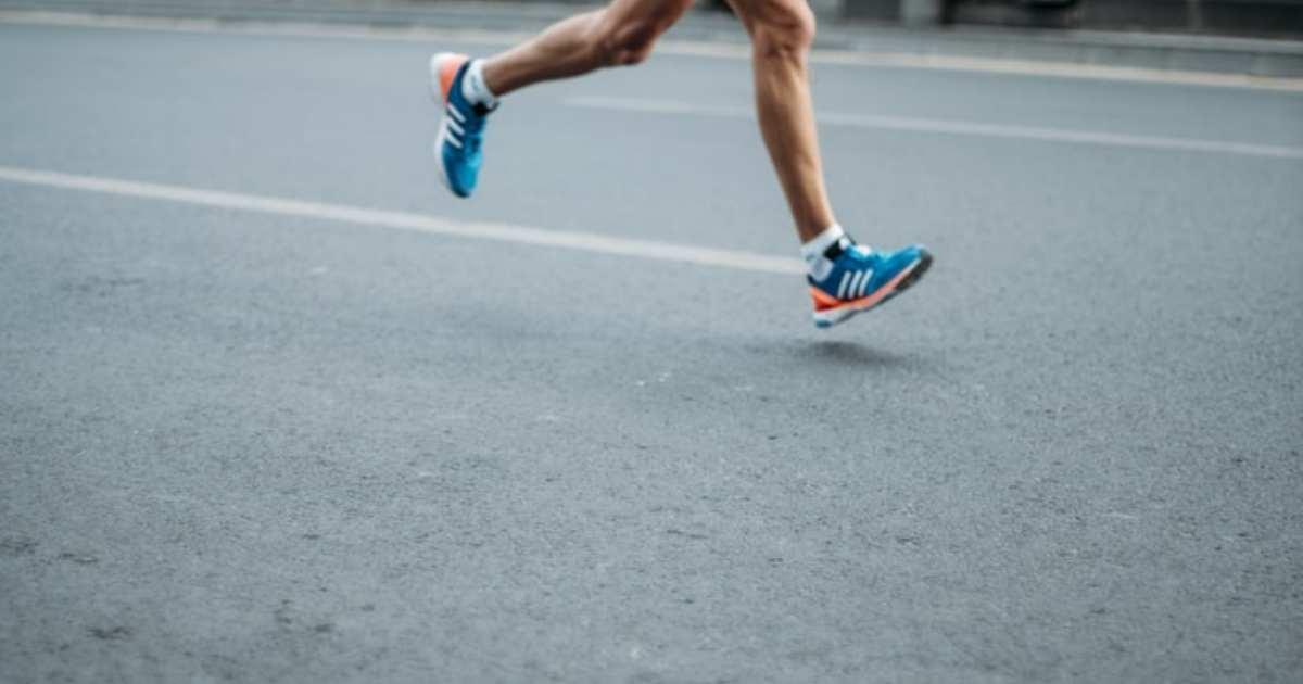 persona che corre